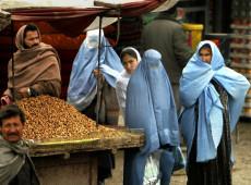 Em meio à consolidação do novo regime, mulheres afegãs resistem ao Talibã