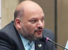 """EUA acreditam ter """"missão messiânica"""" contra comunismo, diz vice-ministro venezuelano"""