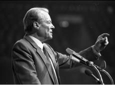 Hoje na História: 1992 - Morre ex-chanceler alemão Willy Brandt