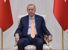 Turquia: Erdogan manda expulsar embaixadores de 10 países que apoiaram opositor
