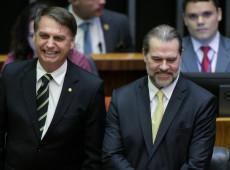 Bolsonaristas arrependidos mudam sobrenome de Jair Bolsonaro e ganham topo do Twitter