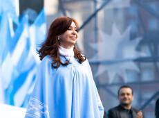Peço que essa unidade para combater o neoliberalismo nunca mais se rompa, diz Cristina Kirchner