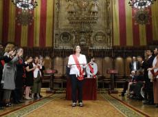 Apoio dos anti independentistas garante reeleição de Ada Colau em Barcelona
