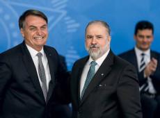 Covid-19: Bolsonaro briga para manter templos abertos por demanda da bancada evangélica