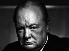 Hoje na História: 1955 - Doente, Winston Churchill pede demissão do posto de primeiro-ministro