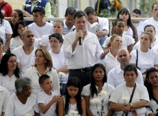 Diálogo entre Santos e guerrilha marca guinada radical no conflito colombiano
