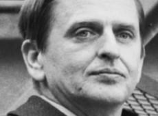 Hoje na História: 1986 - Primeiro-ministro sueco Olof Palme é assassinado