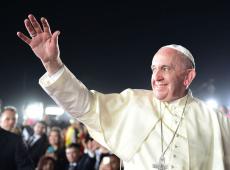 'Urbi et Orbi': Em mensagem de Natal, Francisco pede paz a países em guerra