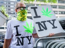 Nova York arrecadará US$ 350 mi em impostos com legalização da maconha para fins recreativos