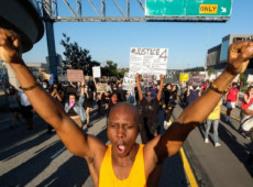 Manifestações por justiça para George Floyd toma outras cidades nos Estados Unidos
