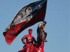 Desafiando violência policial, chilenos vão às ruas comemorar um ano da explosão social