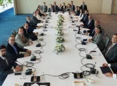 Governo da Venezuela e oposição iniciam 3ª etapa de negociações no México