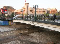 Chile: Caso de estudante jogado de ponte por policial reacende debate sobre violações de direitos humanos