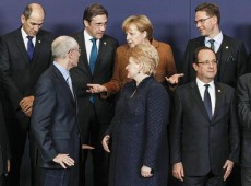 Chipre aceita pacote de austeridade em meio a forte discussão sobre orçamento da UE