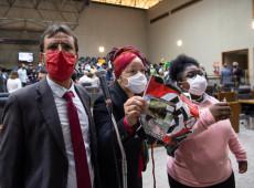 POA: Fascistas invadem Câmara, agridem vereadoras negras e exibem suástica em ato antivacina