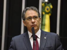CPMI vai revelar fábrica de fake news de Bolsonaro e Steve Bannon, diz Zarattini