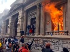 Governo guatemalteco infiltrou agentes para cometer vandalismo e culpar manifestantes