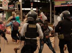 Polícia do Peru barra entrada de centenas de imigrantes na fronteira com Brasil