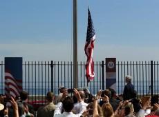 Bandeira dos EUA é hasteada em Havana e Kerry defende fim de embargo econômico contra Cuba