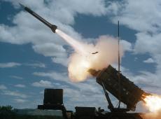 Foguetes atingem base usada pelos EUA no Iraque