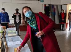 Chile: Comunista Iraci Hassler conquista prefeitura de Santiago e impede reeleição de direitista