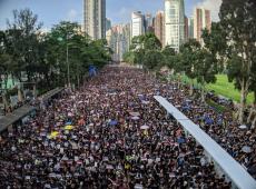 Hong Kong: Protestos contra extradição sobem de tom e pedem demissão do governo