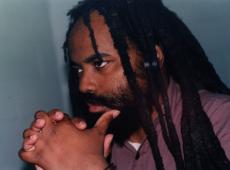 Preso político dos EUA, Mumia Abu-Jamal ganha direito a recorrer da sentença