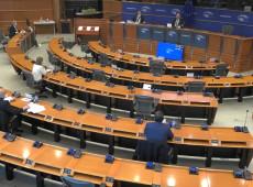 Eurodeputados pedem que Bolsonaro responda por omissão na pandemia e 'necropolítica vergonhosa'