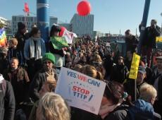 Em Berlim, 250 mil vão às ruas em protesto contra acordos comerciais entre UE, EUA e Canadá