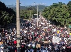 Colombianos realizam greve geral contra políticas neoliberais do presidente Iván Duque