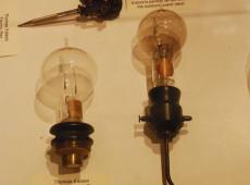 Hoje na História: 1879 - Thomas Edison inventa a lâmpada elétrica