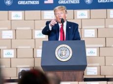 Em livro, ex-assessor diz que Trump implorou ao presidente da China para ajudá-lo em reeleição