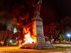 Contra Marco Temporal, coletivo incendeia estátua de Pedro Álvares Cabral no RJ