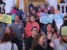Rhode Island é 10° Estado dos EUA a aprovar casamento gay