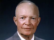 Hoje na História: 1954 - Dwight Eisenhower apresenta ao mundo 'Teoria do Efeito Dominó'