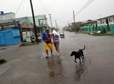 Governo cubano envia mais de 750 médicos a ilhas do Caribe atingidas pelo furacão Irma