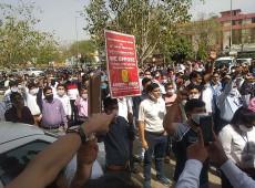 Índia: 1 milhão de trabalhadores entram em greve contra privatização dos bancos