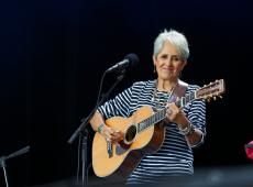 O adeus de Joan Baez: cantora norte-americana se despede dos palcos após último show em Madri