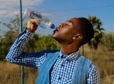 Água limpa é um direito humano. Nos Estados Unidos, é mais uma máquina de lucro