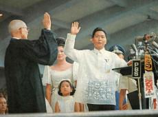 Hoje na História: 1986 - Ferdinando Marcos é deposto nas Filipinas