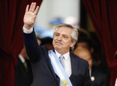 Bolsonaro recua e convida Fernández para visitar Brasil
