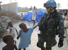 Intervenção humanitária no Haiti reforça dependência e causa sofrimento à população