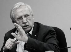 'Grandes bancos privados são nocivos ao país', diz Ladislau Dowbor