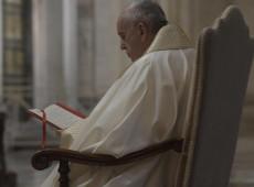 Deus não precisa ser defendido e não quer Seu nome usado para aterrorizar outras pessoas, diz papa