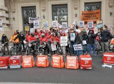 Como se organizam e protestam os entregadores de aplicativos na Argentina