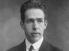 Hoje na História: 1957 - Físico dinamarquês Niels Henrick David Bohr ganha prêmio Átomos pela Paz
