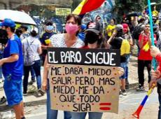 """""""EUA treinam paramilitares para que torturem povo colombiano nos campos e nas cidades"""", diz jornalista"""