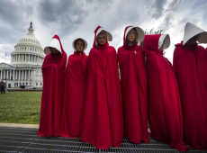 Desafiando Suprema Corte, legislativos estaduais aprovam leis criminalizando aborto nos EUA
