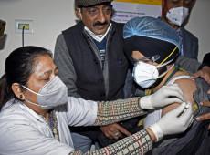 Índia começa megacampanha de vacinação e quer imunizar 300 mi em seis meses