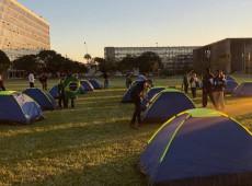 Com apoio parlamentar, bolsonaristas montam acampamento com estratégia paramilitar